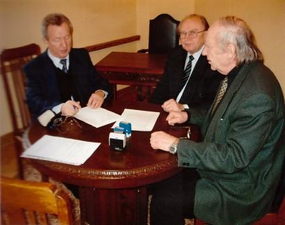 Podpisanie aktu notarialnego.