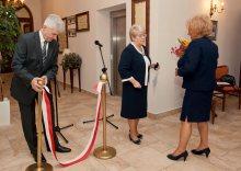 Przygotowania do uroczystości. Jerzy Noworol, Zofia Wit i przyszły dyrektor Domu Muzyka Seniora Barbara Samborska